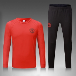Тренировочный костюм манчестер юнайтед красный
