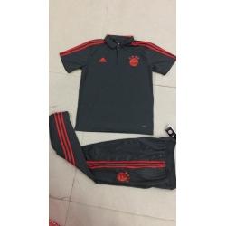 Футбольный костюм тренировочный Bayern München серый 2018 2019