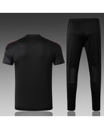 Футбольный черный костюм манчестер юнайтед