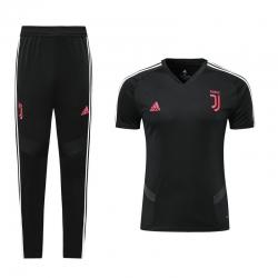Футбольный костюм ювентус черно розовый