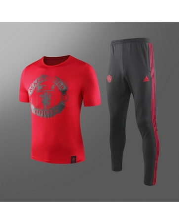 Футболные костюмы манчестер юнайтед красный